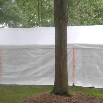 Feesttent wit 4m x 8m geplaatst harde ondergrond (excl. transportkosten)