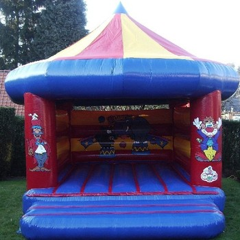 Circus 4,2m x 5,2m x 5,2m (b x h x l) (weekenddag of feestdag)