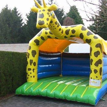 Giraf overdekt 4m x 5m x 4,25m (b x h x l) (weekenddag of feestdag)