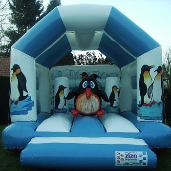 Pinguin 4,20m x 4,55m x 3,55m (b x h x l) (weekenddag of feestdag)